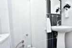 1+1 Dört Kişilik Mutfaklı Apart Dairemizin Banyosu