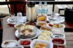 Misafirlerimize Lezzetli Serpme Kahvaltı
