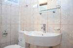 5 Kişilik Çatı Katı Apart Dairemizin Banyosu
