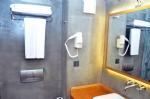 Çift Kişilik Kale Manzaralı Odamızın Banyosu