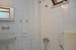 4 Kişilik Odaların Banyosu