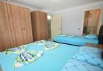 Apart 2 Üç Kişilik Yatak Odası