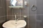 Üç Kişilik Deniz Manzaralı Apart Odamızın Banyosu