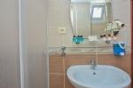 Deniz Manzaralı Odamızın Banyosu